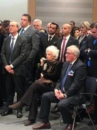 Liliana Segre con un Sinti polacco sopravvissuto, prima della Cerimonia plenaria