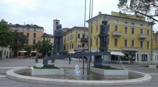 monumento alla resistenza antifascista Desenzano del Garda